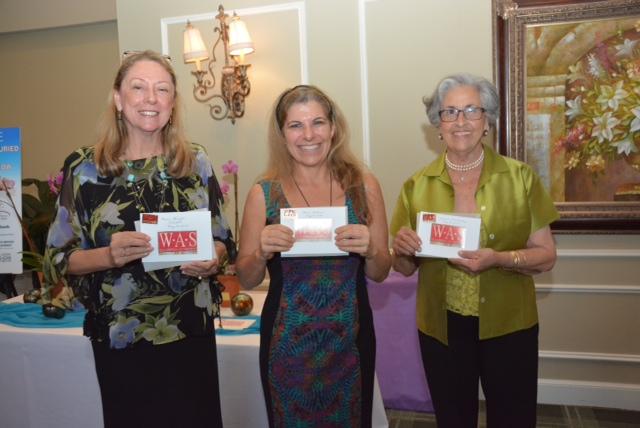 Leslie Pfeiffer, Laura Willems, Ursula Fernandez (Photo courtesy of